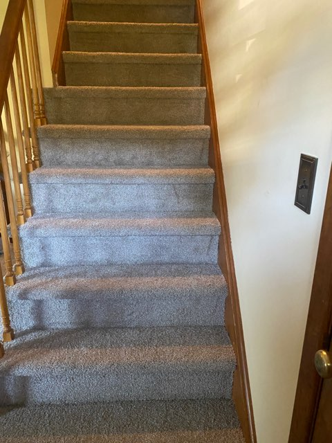 carpeted staircase installation